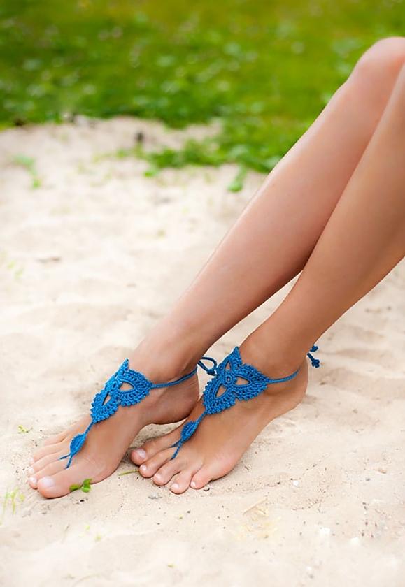 naked-girl-anklet