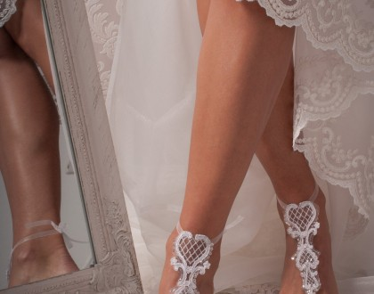Bridesmaid barefoot sandals
